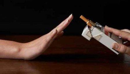 Чем вывести запах табака в машине